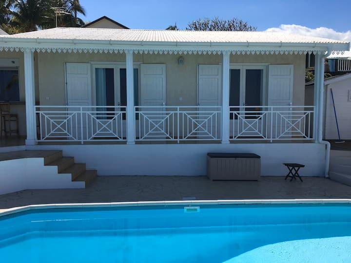 Chambre Douche/WC/2lavabos- dans villa 4* piscine