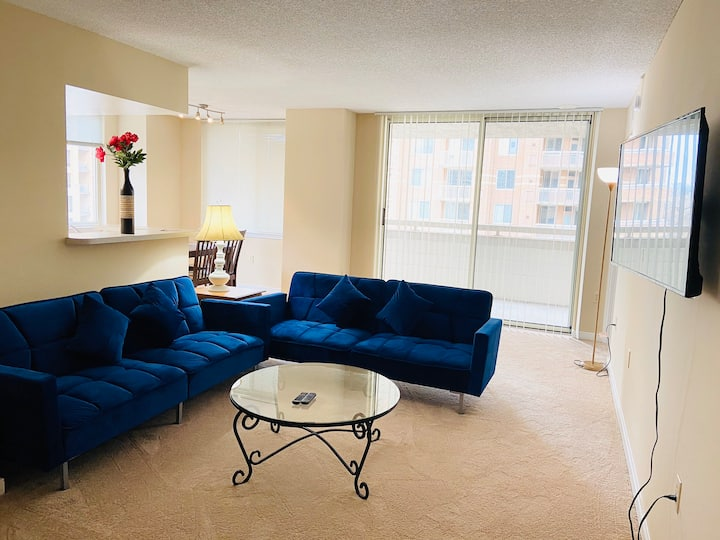 Highrise&2bedroom2bathroom&5mins2metro&parking&DCA