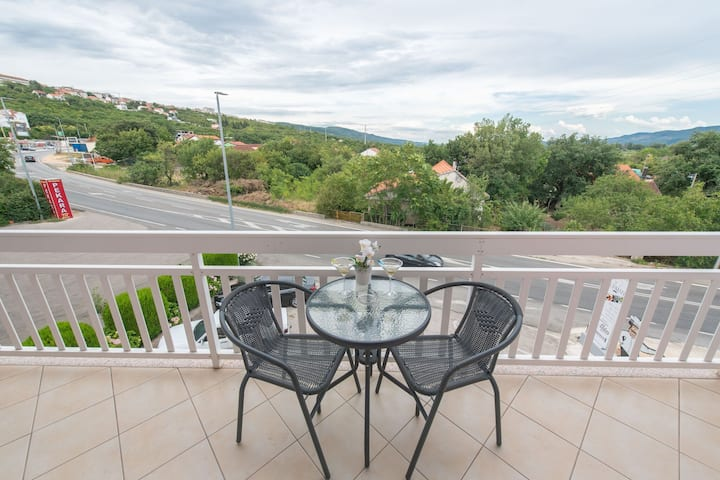 Alluring Apartment in Imotski with Parking