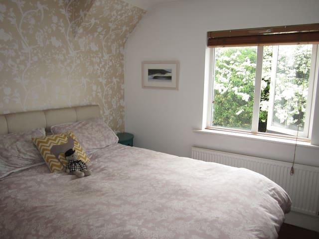 Liam's Place - Double Room En Suite