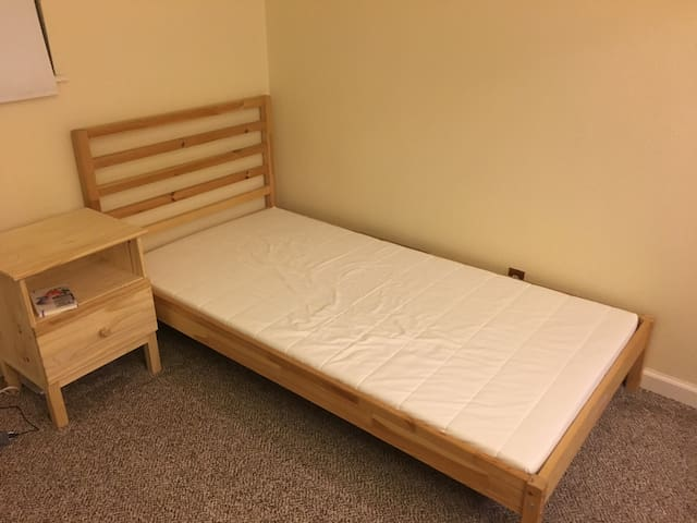 Single bed in second guest bedroom