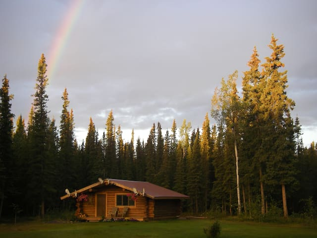 Cloudberry Cabin, your treasure at the end of the rainbow!