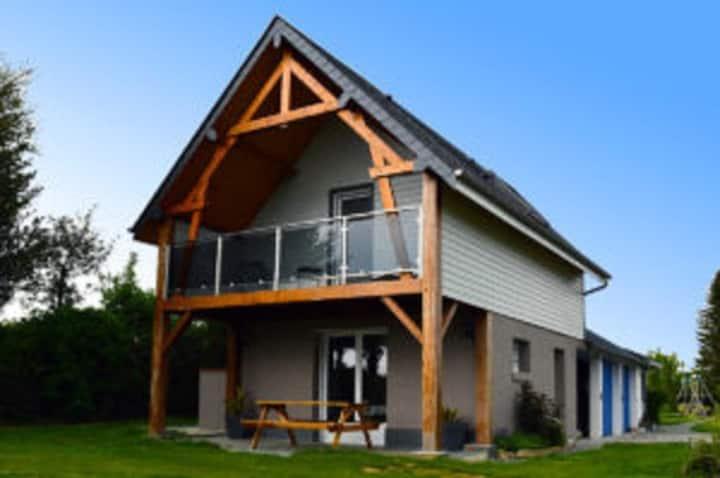 COTTAGE 3 *** avec terrasse,  balcon , espace clos