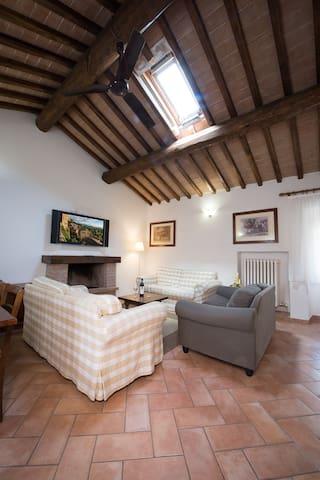 Appartamento in Borgo (206)piano rialzato 3 camere