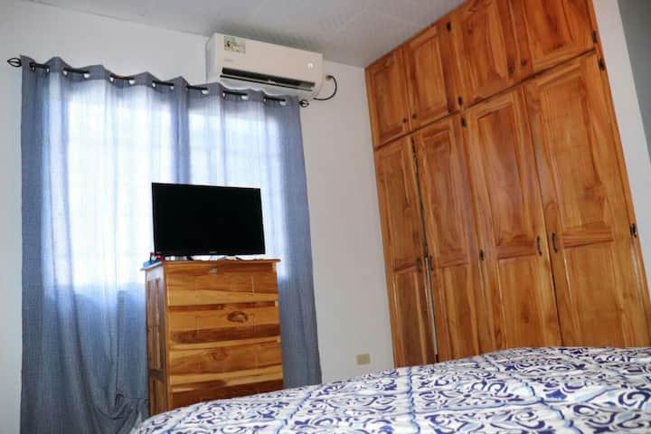 Cuarto principal-San Miguel Clean House, Santiago.