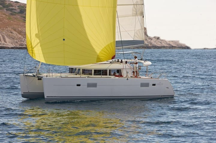 Sailing Catamaran Lagoon 400 S2