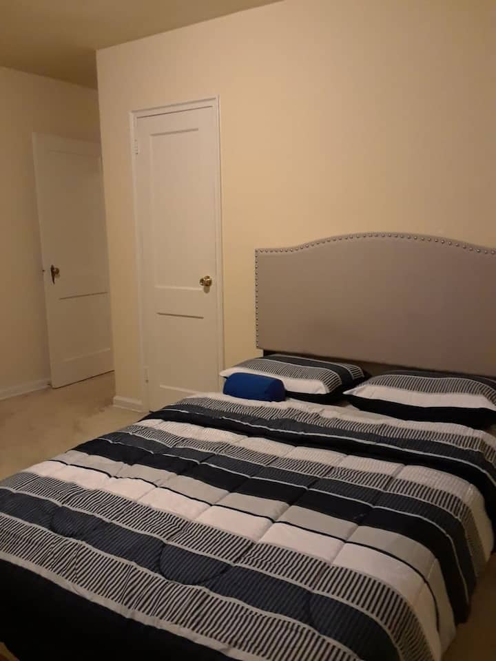 Room in Baltimore City. Privileged location.