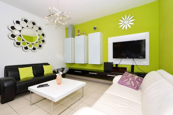 TROGIR, MASTRINKA - apartment LOLA 2 - Mastrinka