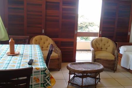 Apto 11 - Girassol - Ponta da Ilha - Bed & Breakfast