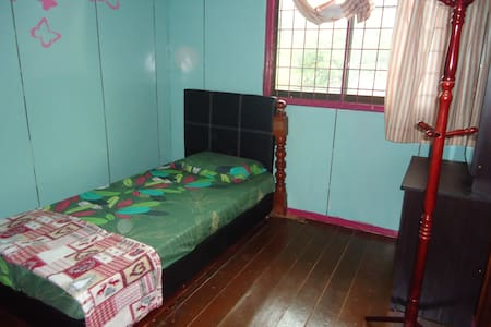 MandarouHome, Single bed. - Ranau - B&B/民宿/ペンション