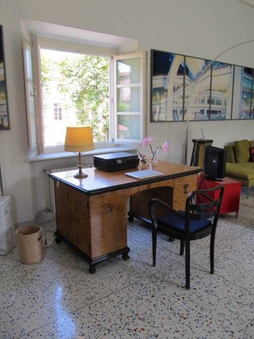 The apartment has a large desk, free ultra fast WiFi and a printer. There is a smart TV for watching your shows on Netflix or Apple TV