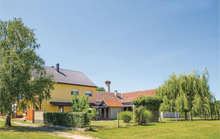 Holiday cottage with 2 bedrooms on 115m² in Drenje
