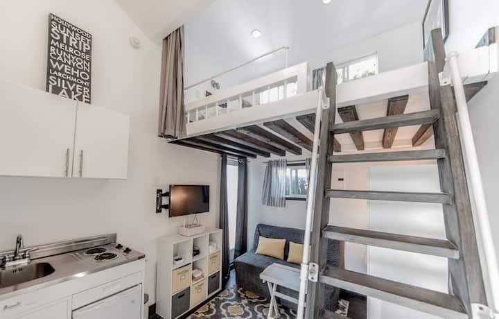 Tiny home Loft in Marina Del Rey/Silicon Beach