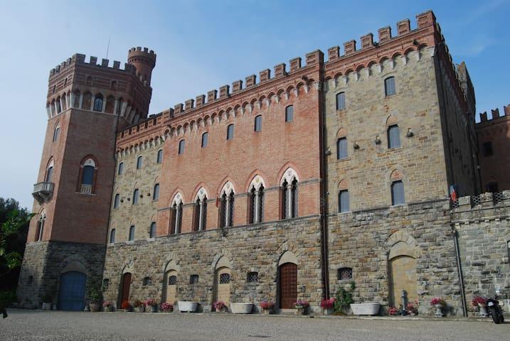 Castello di Valenzano - Subbiano - Hrad