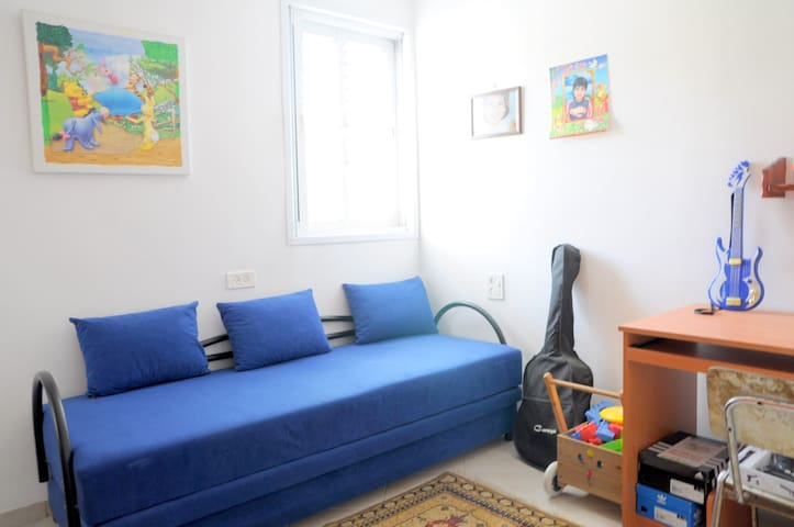 Little room but what a boom! - Holon - Apartment