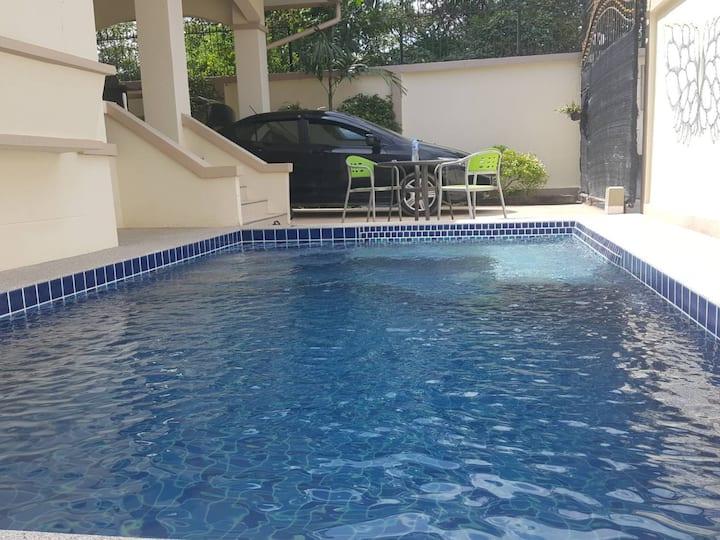 Villa Mimosa with Private Swimming Pool