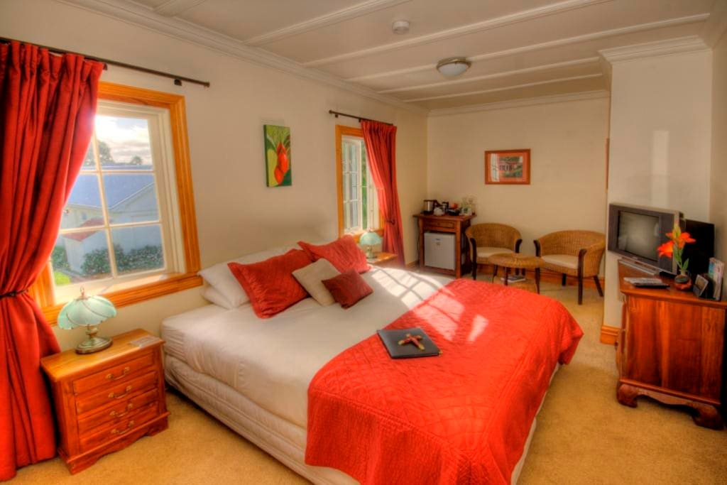 Luxury rooms with Super King size beds.