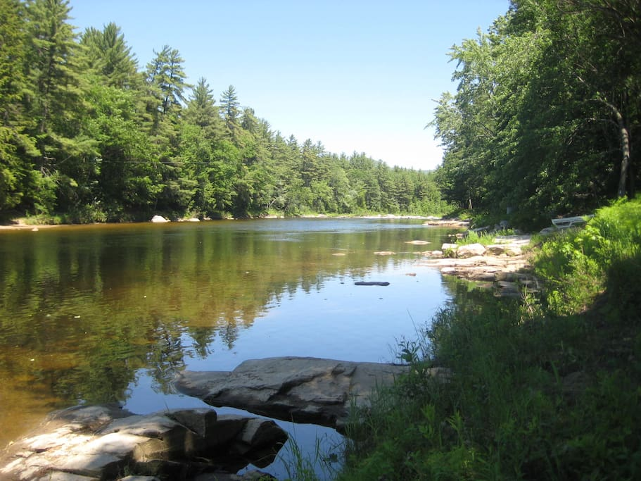Saco river just 5 minutes away - canoeing and fishing