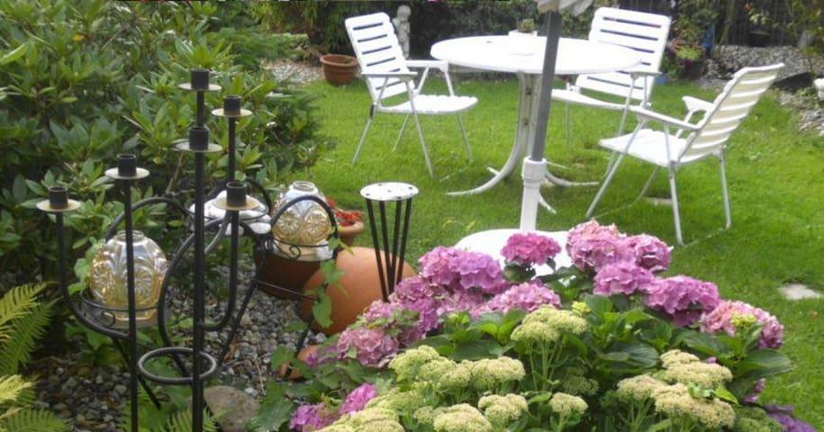Ferien an der Ostsee im Haus Zabel - Schwedeneck - Bed & Breakfast