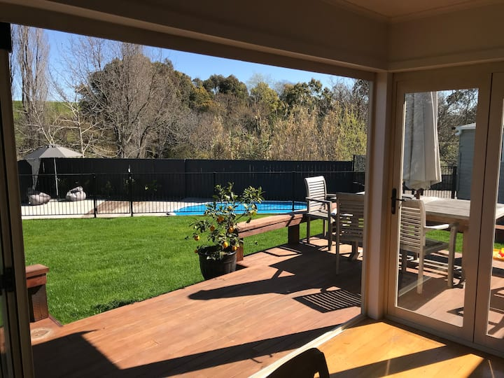 Sunny Havelock North home with a pool!