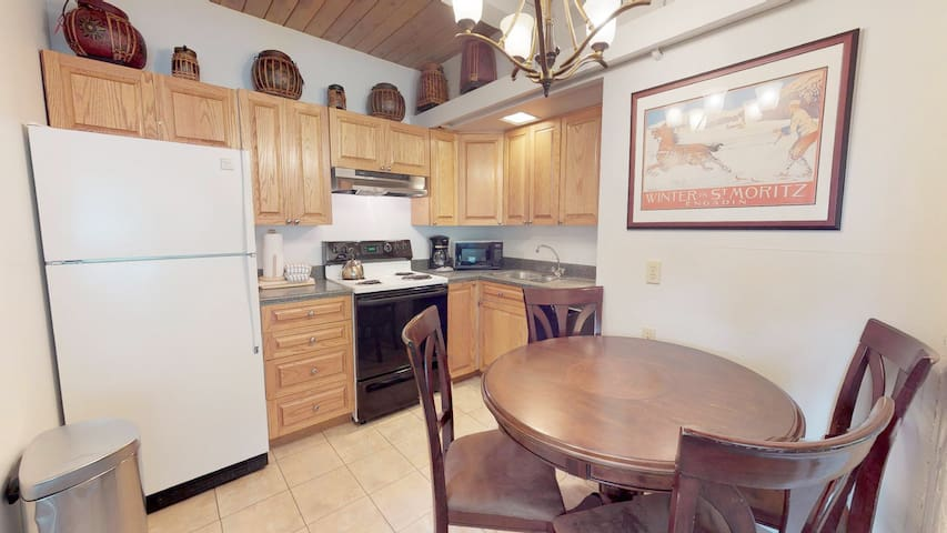 Downtown Snowmass! ~ Aspenwood Condo