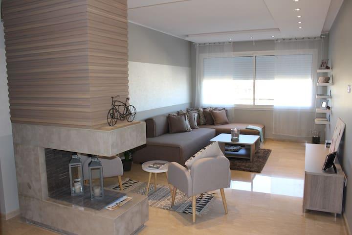 Cosy Apartment In Casablanca - Hay-Hassani - Wohnung