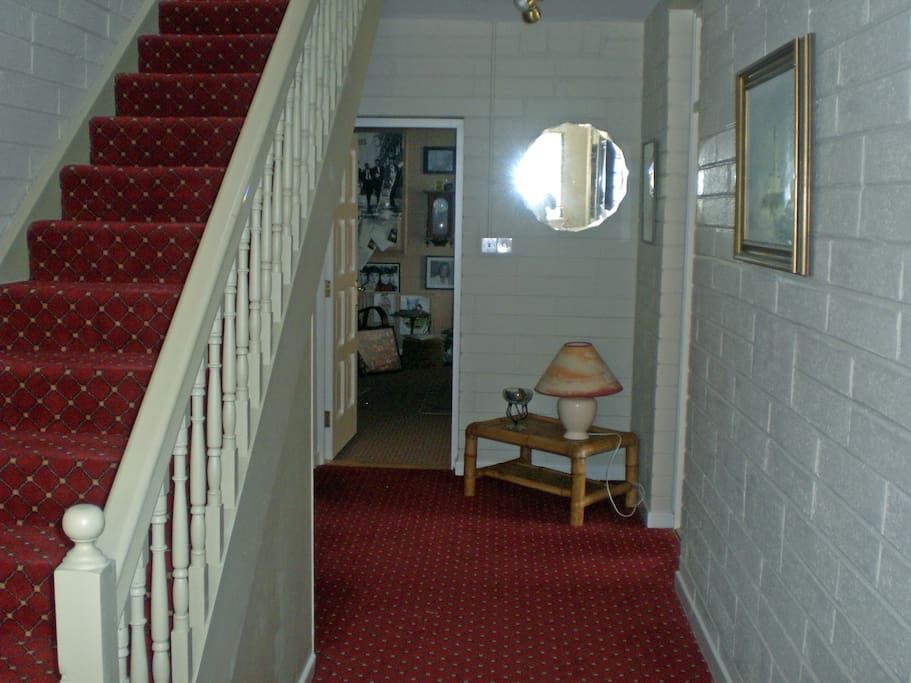 Private downstairs hall