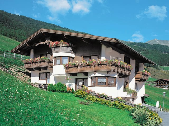 60 m² apartment Haus Nadine for 5 persons