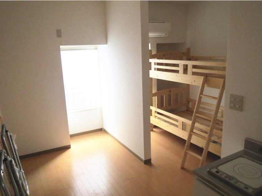 雙層兩人房,附迷你廚房