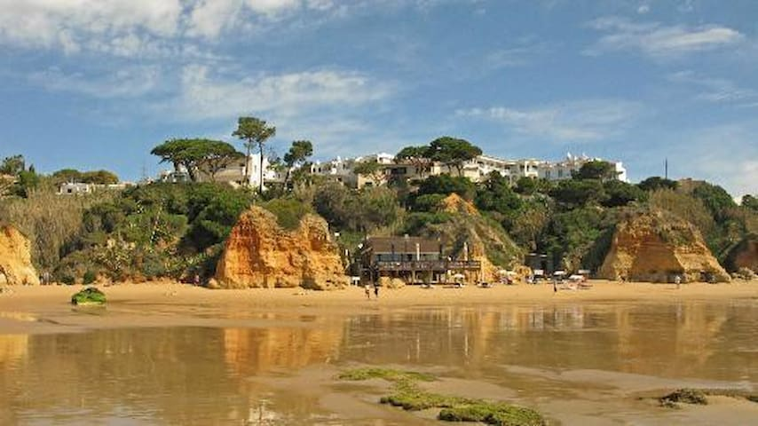 Five yards from the beach stairs - Olhos de Água - Flat