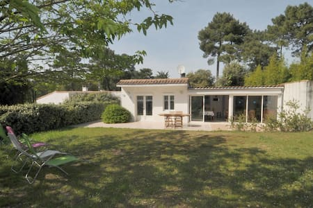 Villa au calme, sur un grand terrain - Rivedoux-Plage