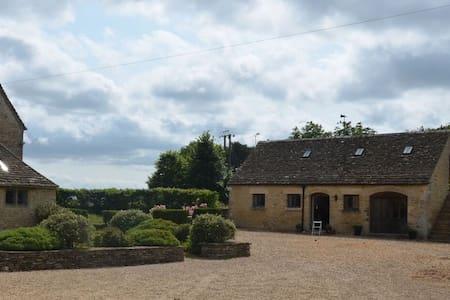 Cranmore Farm, near Tetbury - Tetbury - Loft