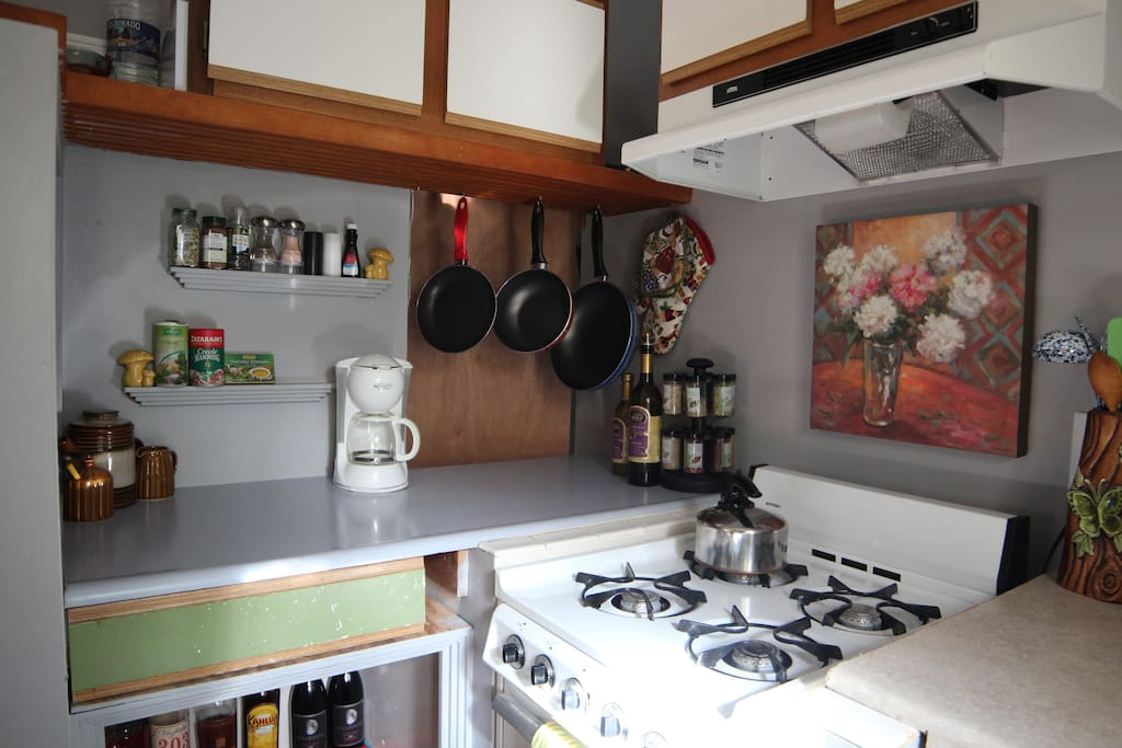 Full kitchen with all necessities for cooking