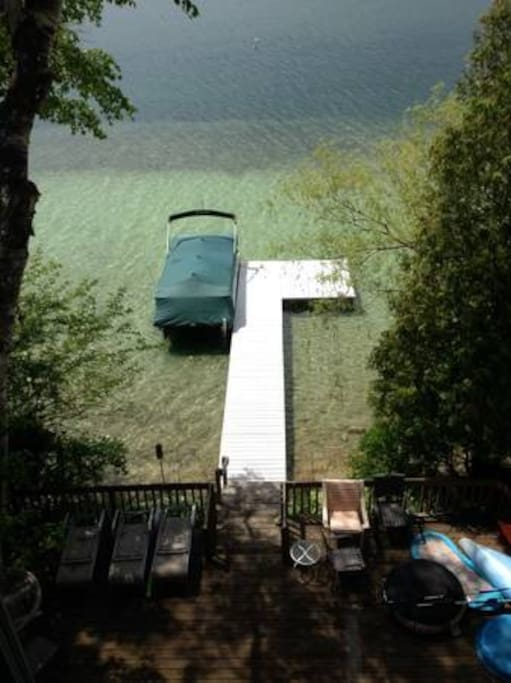 Beautiful lake water with private pier and boat dock (sorry, boat not available for use)