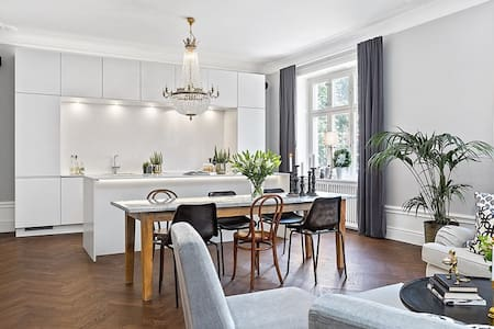 Room in luxury & simplistic apartment - Stockholm