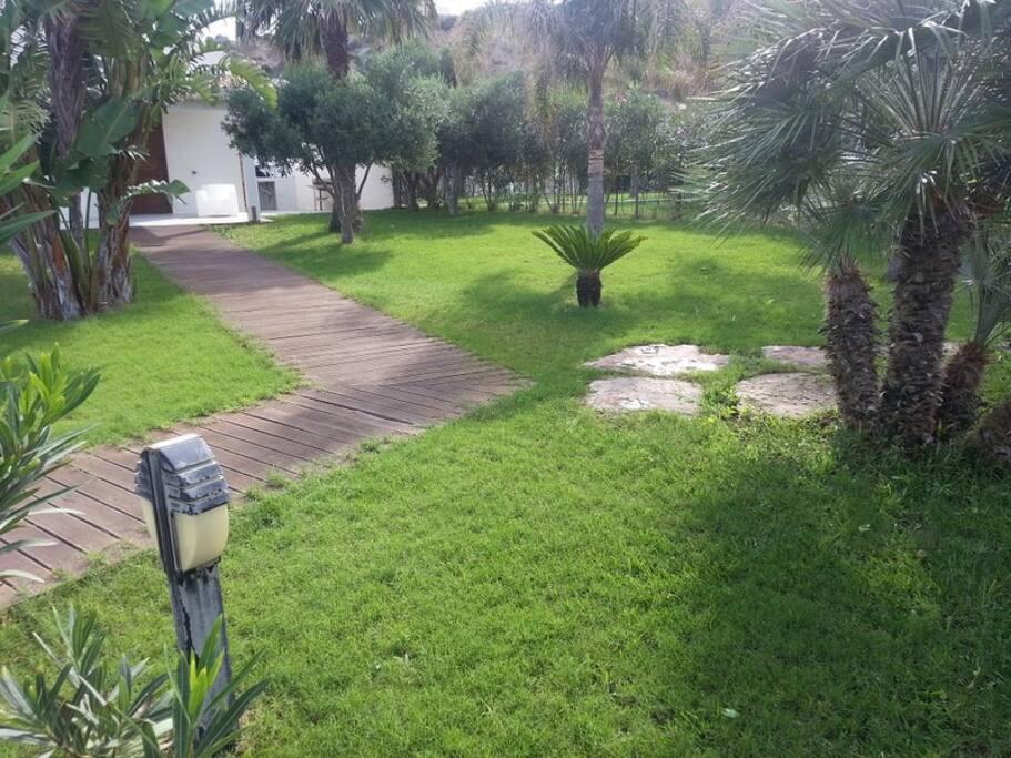 oltre 500 mq. di giardino