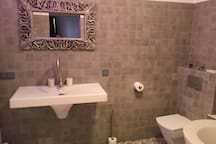 ★ Suite in Mansion ★ Wineries, Beaches & City ★