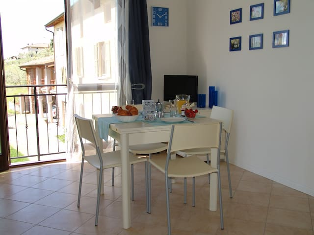 2-ROOMS APARTAMENT WITH LAKE VIEW - Polpenazze del Garda - Appartement