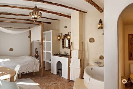 """Chambre Blanche"" - RIAD BALADIN - Essaouira - Aamiaismajoitus"