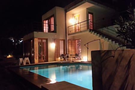 Villa with pool/garden near the sea - Torre Colonna-sperone