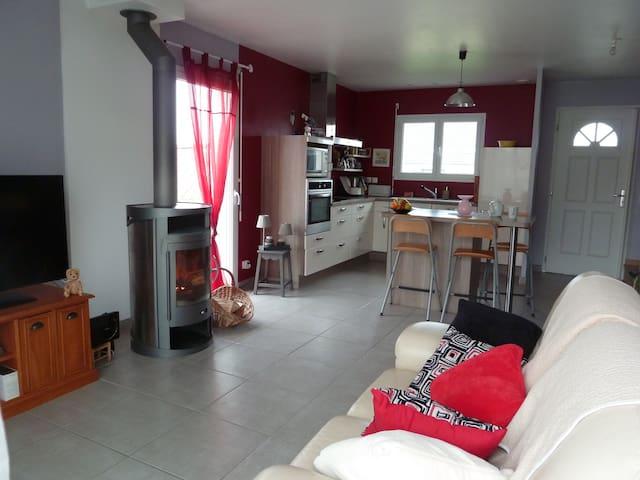 Chambres dans une maison moderne proche de Pau