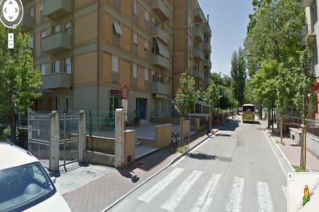 Beautiful 3 rooms apart sea view - Pesaro - Byt