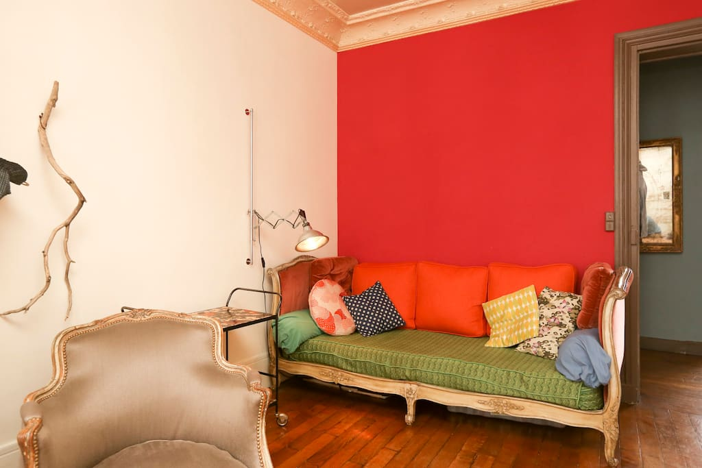 Sofa Bed One Person Calm Center Apartments For Rent In