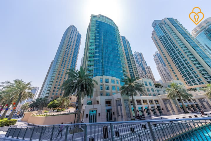 Exclusive three bedroom villa on Dubai Fountain