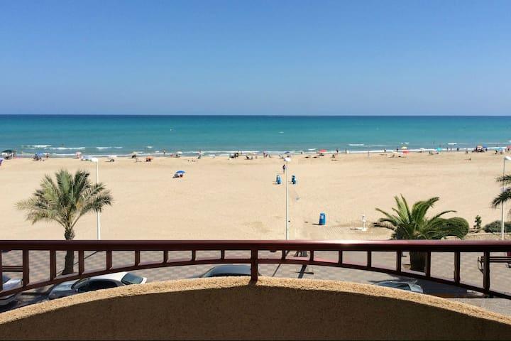Apartment on the beach front line - Puerto de Sagunto - Leilighet
