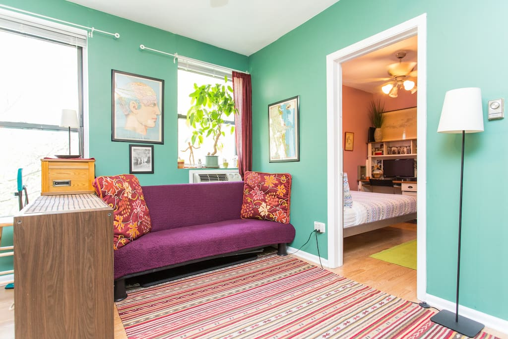 Quirky & Cozy One-bedroom Studio !