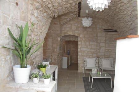 Apartment in Foscolo Street - Cassano delle Murge - Hus