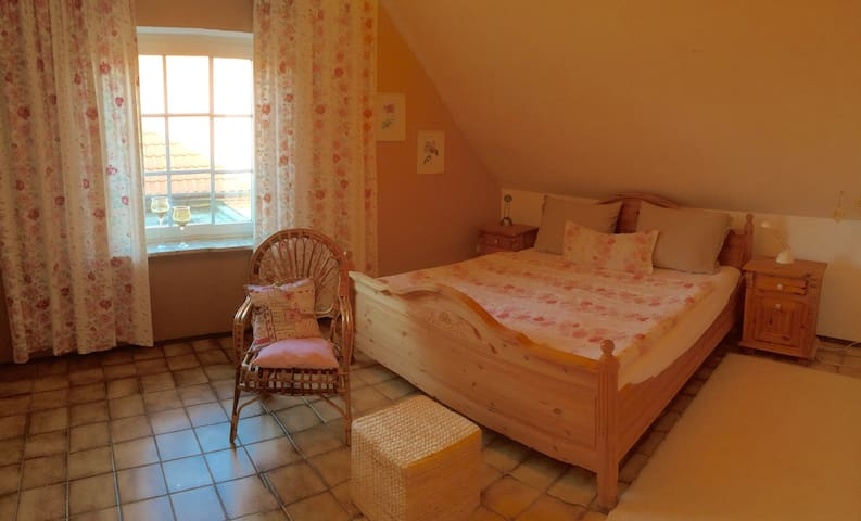 Large bedroom in shared flat - Norden - Appartement