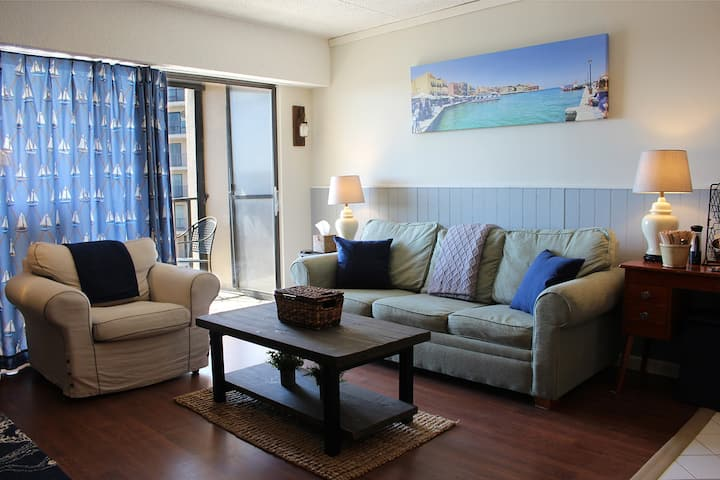 ANCHORS AWEIGH!  UPDATED  CONDO WITH OCEAN VIEW!!