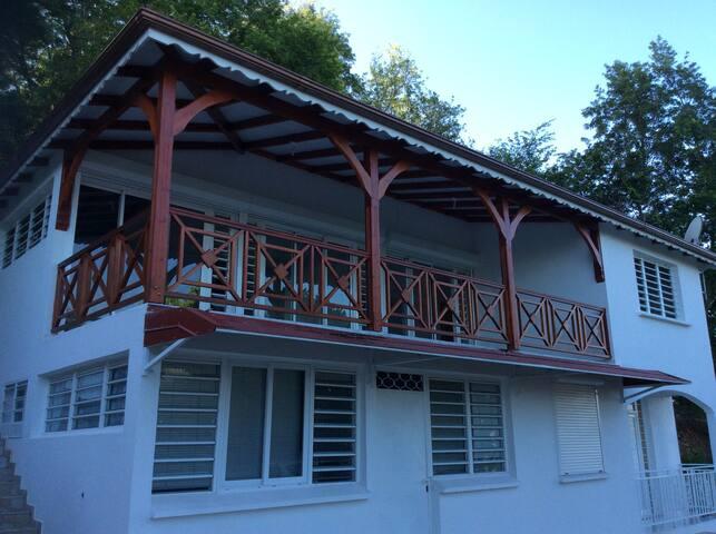 Belle villa lumineuse et moderne - Les Abymes